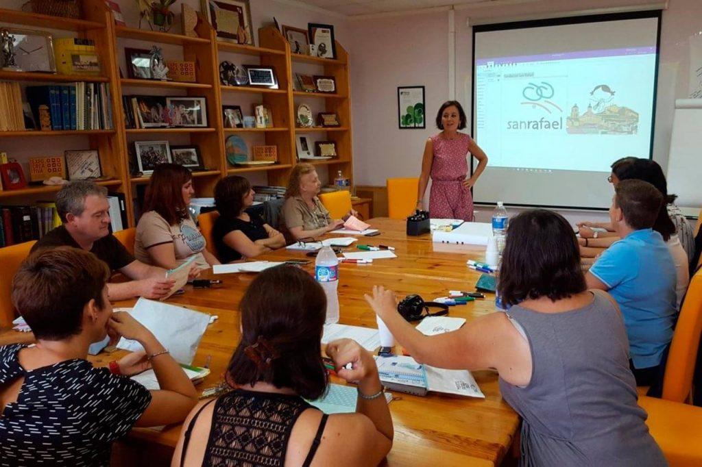 """Curso """"Activa tu pensamiento visual"""" - Fundación San Rafael"""